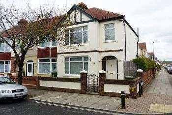 3 Bedrooms House for sale in Doyle Avenue, Portsmouth, PO2 9NF