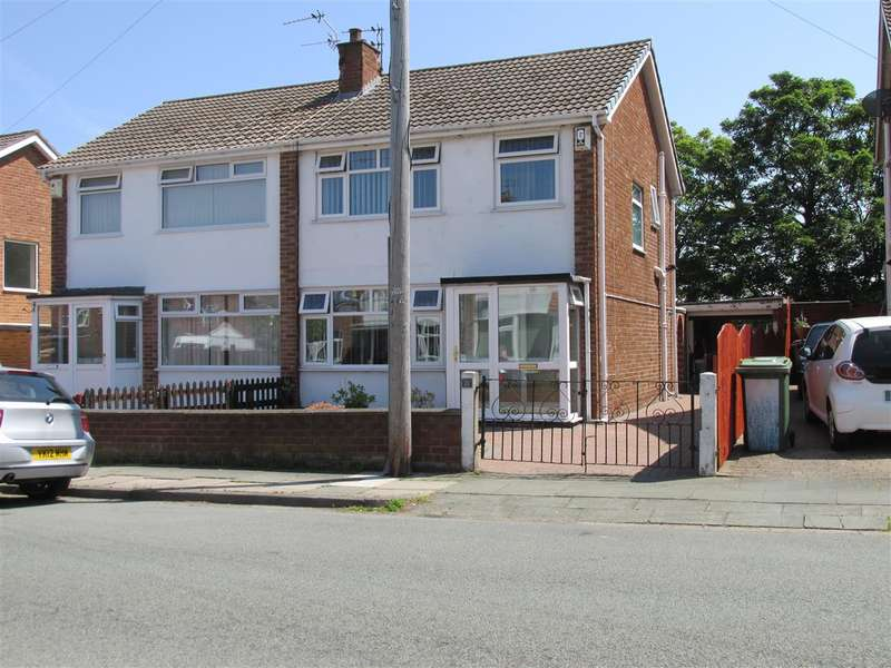 3 Bedrooms Semi Detached House for sale in Croft Drive, Moreton