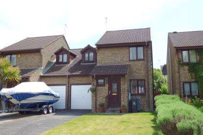 3 Bedrooms Link Detached House for sale in Canford Heath, Poole, Dorset