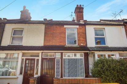 2 Bedrooms Terraced House for sale in Parker Street, Watford, Hertfordshire, .