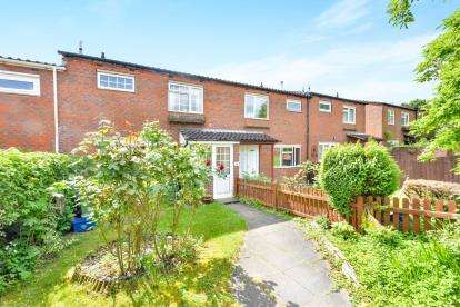 3 Bedrooms Terraced House for sale in Stamford Avenue, Springfield, Milton Keynes, Buckinghamshire
