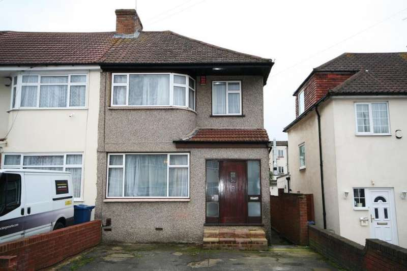 3 Bedrooms End Of Terrace House for sale in Millais Gardens, Edgware HA8 5SZ