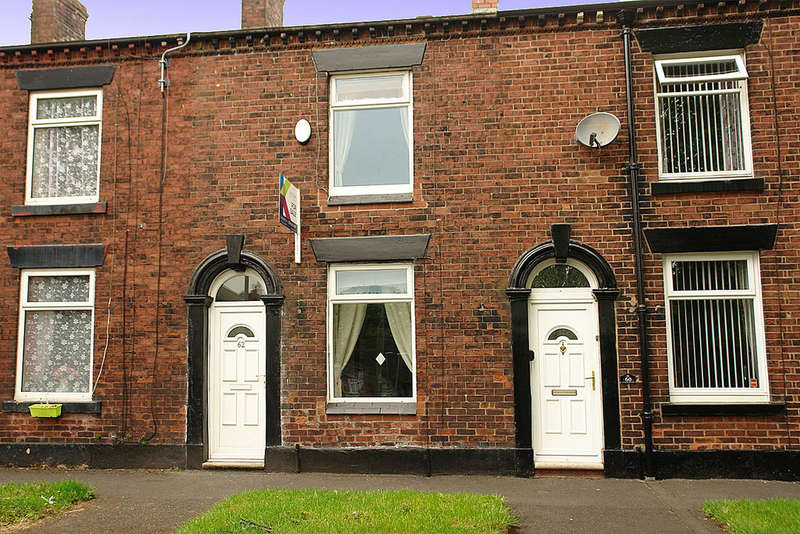 2 Bedrooms Terraced House for sale in 62 Quail Street, Oldham