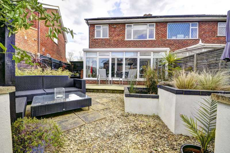 3 Bedrooms Semi Detached House for sale in Monks Risborough