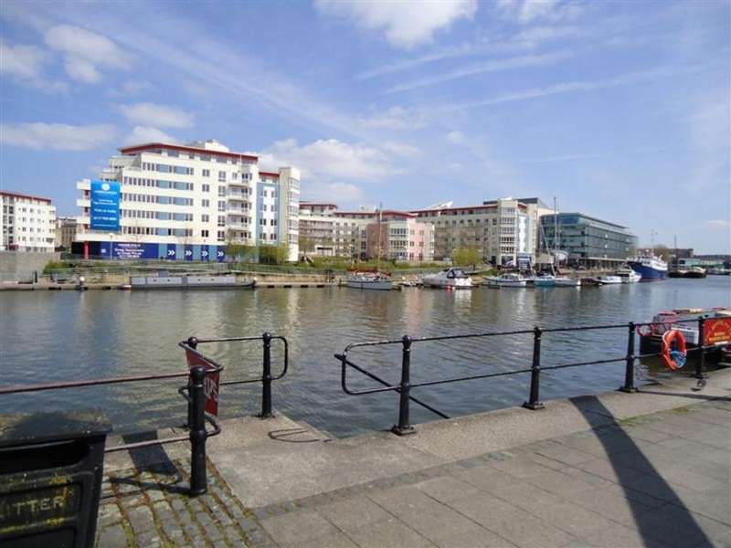 3 Bedrooms Apartment Flat for rent in The Crescent, Hannover Quay