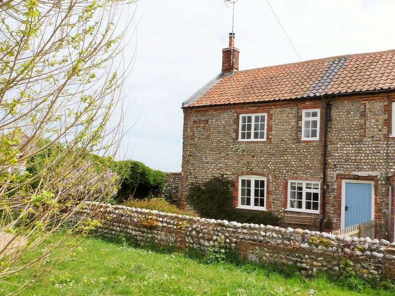 3 Bedrooms Cottage House for sale in Sidestrand, Nr Cromer