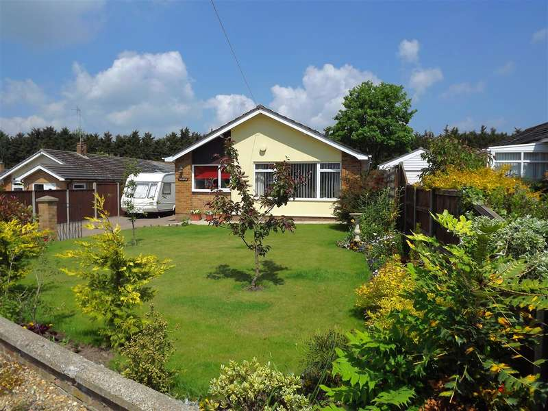 2 Bedrooms Bungalow for sale in Blofield
