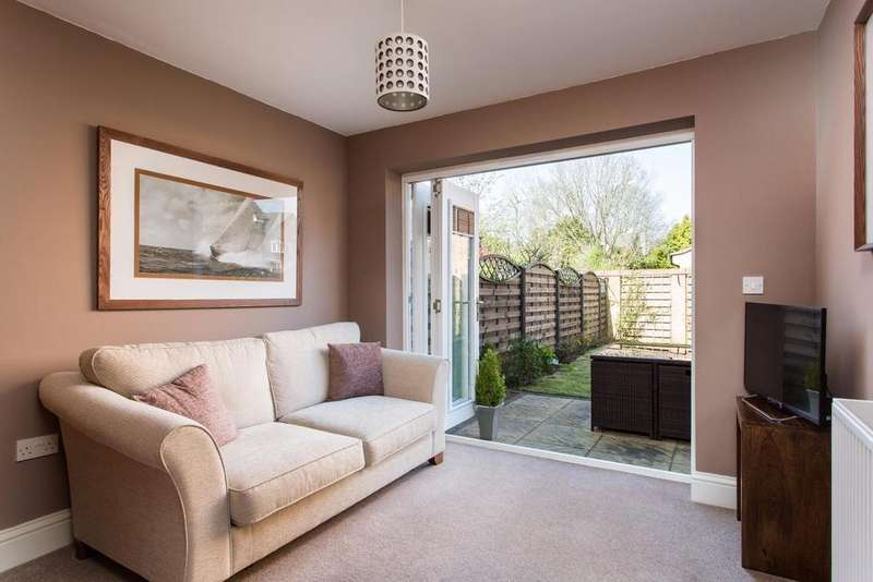 4 Bedrooms Terraced House for sale in Principal Rise, Dringhouses, York