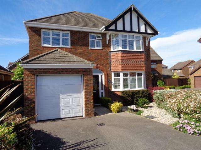 4 Bedrooms Detached House for sale in Hornbeam Avenue, Bexhill on Sea TN39
