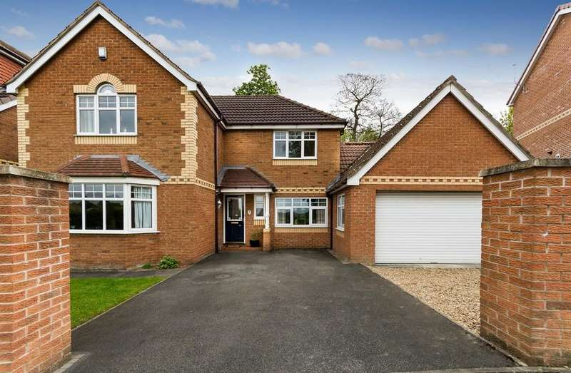 4 Bedrooms Detached House for sale in Hazel Grove, Pontefract