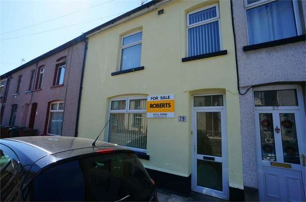 3 Bedrooms Terraced House for sale in Trafalgar Street, Risca, NEWPORT, Caerphilly