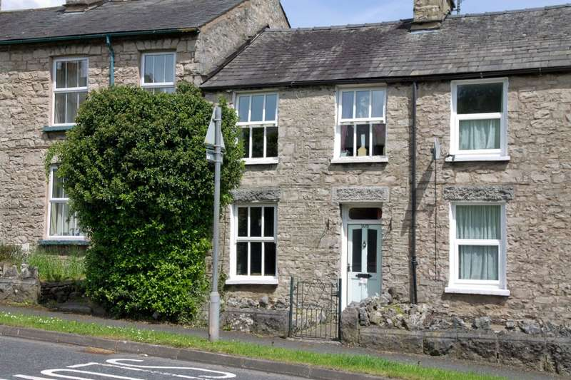 2 Bedrooms Terraced House for sale in 105 Windermere Road, Kendal, Cumbria, LA9 5EP