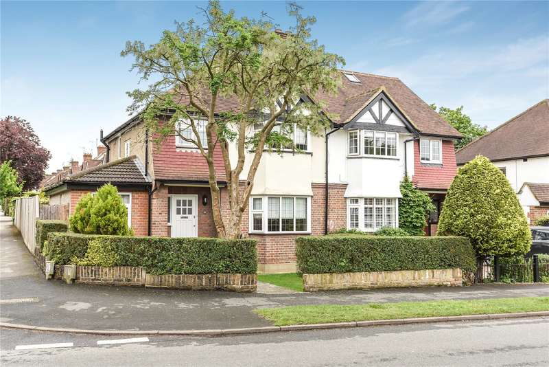 3 Bedrooms Semi Detached House for sale in Field Way, Rickmansworth, Hertfordshire, WD3