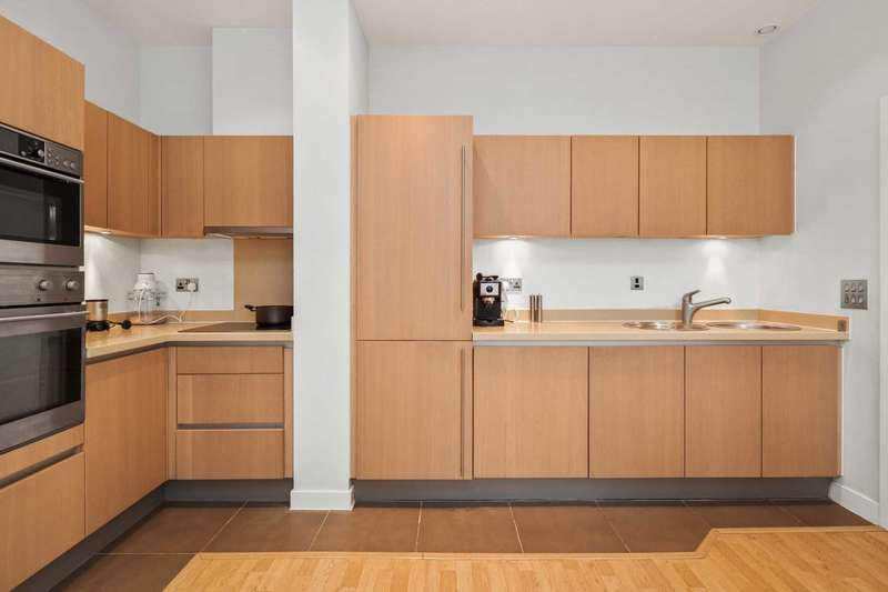 2 Bedrooms Apartment Flat for sale in Bromyard House, London W3