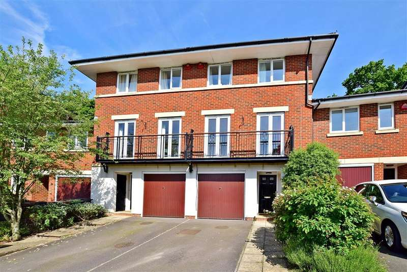 4 Bedrooms Town House for sale in Batchelor Crescent, Crowborough, East Sussex
