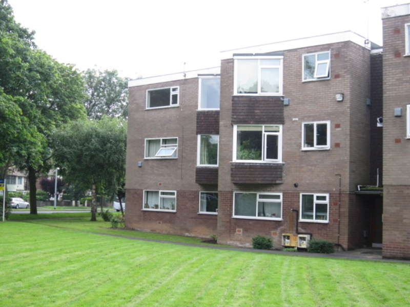 2 Bedrooms Apartment Flat for sale in Moorfields Court, Scott Hall Road