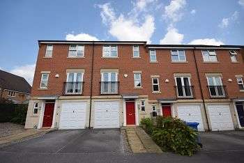 3 Bedrooms Town House for sale in Crystal Close, MICKLEOVER DE3 0BP