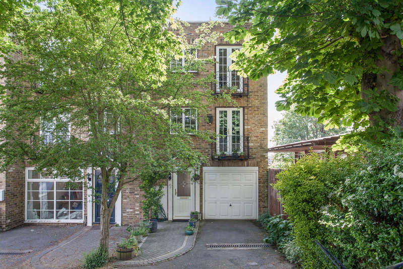 3 Bedrooms Town House for sale in Eaton Drive, Kingston Upon Thames, KT2