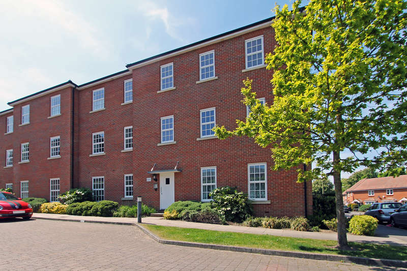1 Bedroom Flat for sale in Carisbrooke Court, Knowle