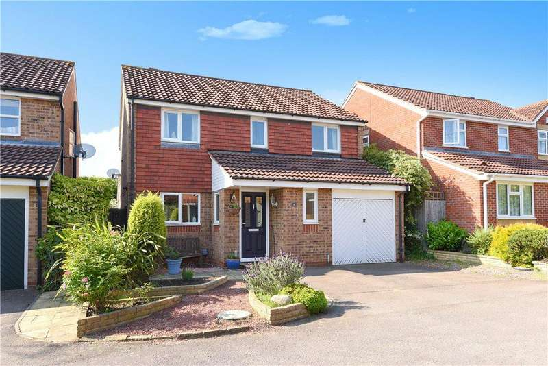 4 Bedrooms Detached House for sale in Ivatt Court, Hitchin, Hertfordshire