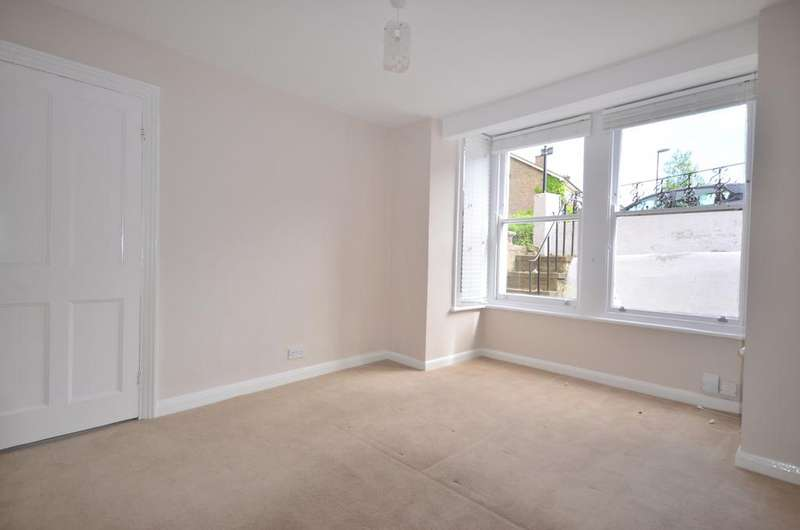 1 Bedroom Flat for sale in Victoria Way London SE7