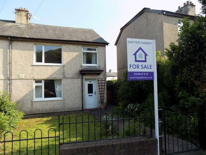 3 Bedrooms Semi Detached House for sale in Penchwintan Road, Bangor, North Wales