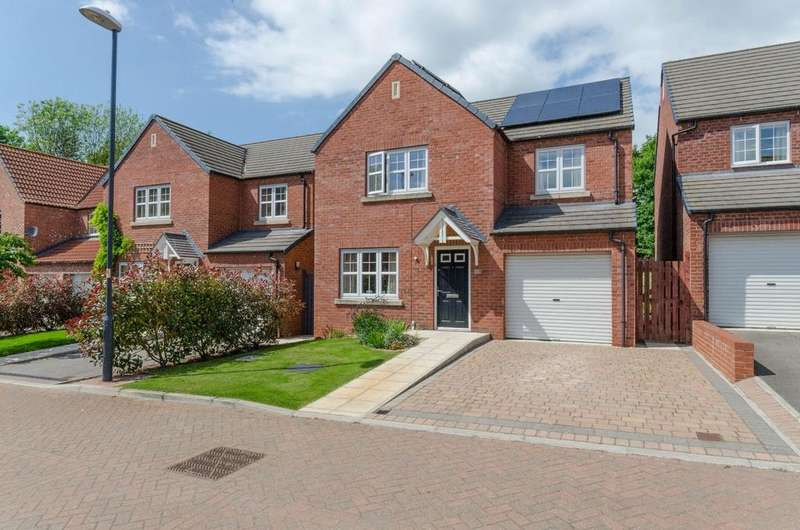 4 Bedrooms Detached House for sale in 14 Low Medstone Drive, Easingwold, York