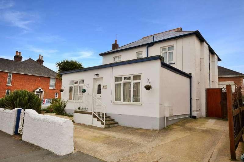 5 Bedrooms Detached House for sale in Avenue Road, Sandown