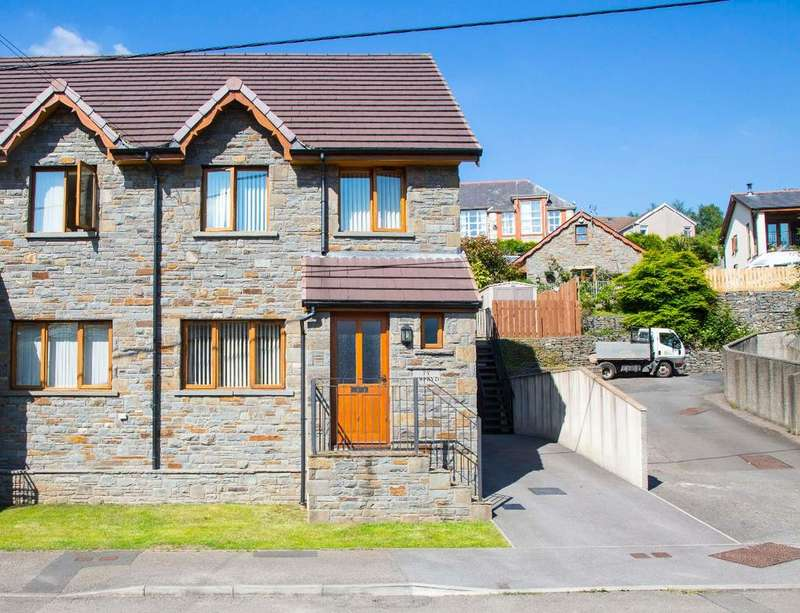 3 Bedrooms Semi Detached House for sale in Park View, Abercynon, CF45 4TR