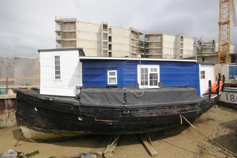 2 Bedrooms Property for sale in Brighton Road, Shoreham-By-Sea