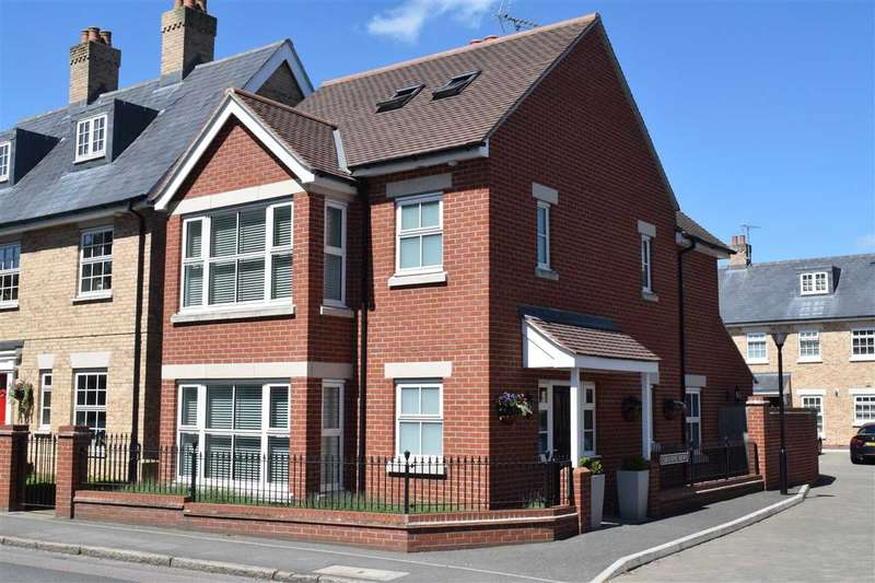 3 Bedrooms Detached House for sale in Usborne Mews, Writtle, Chelmsford