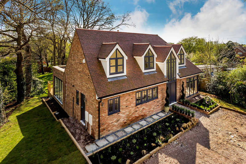 4 Bedrooms Detached House for sale in Swan Lane, Edenbridge, TN8