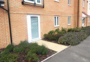 2 Bedrooms Flat for sale in Elm Tree House, Myrtle Road, Minster On Sea, Sheerness