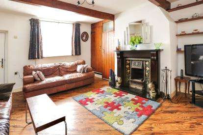 3 Bedrooms Terraced House for sale in New Lane, Harwood, Bolton, Greater Manchester, BL2
