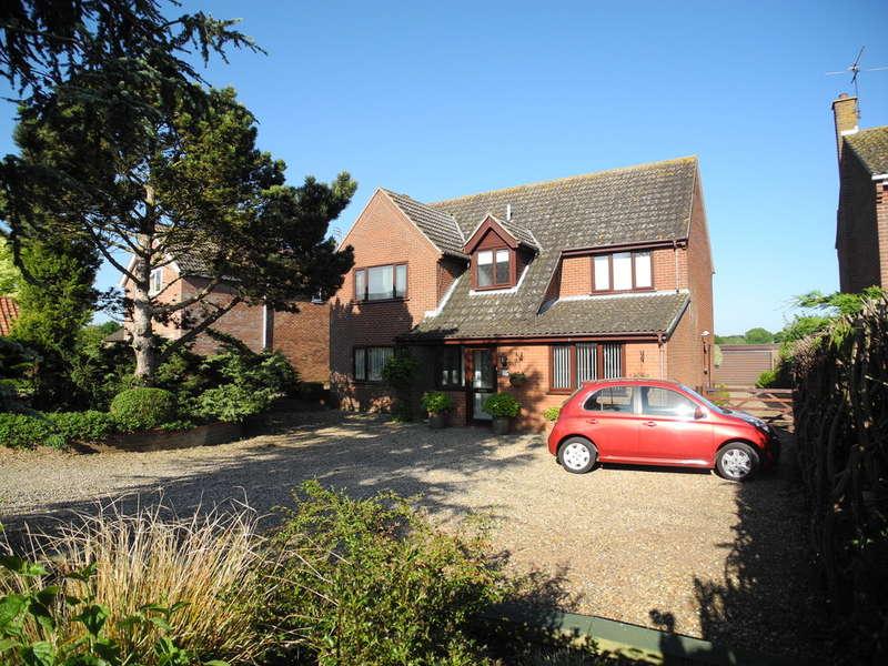 4 Bedrooms Detached House for sale in School Lane, Hales