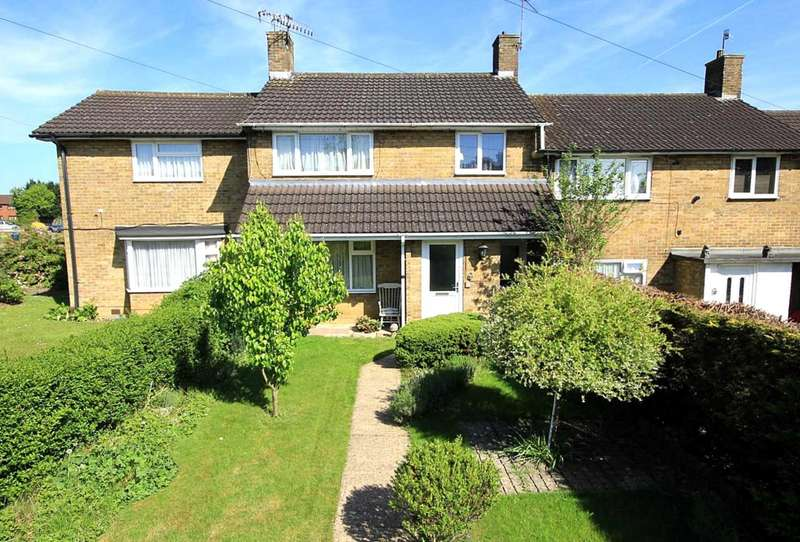 3 Bedrooms House for sale in 3 BED FAMILY HOME with GARAGE and PARKING in a sought after location, White Hart Drive, HP2
