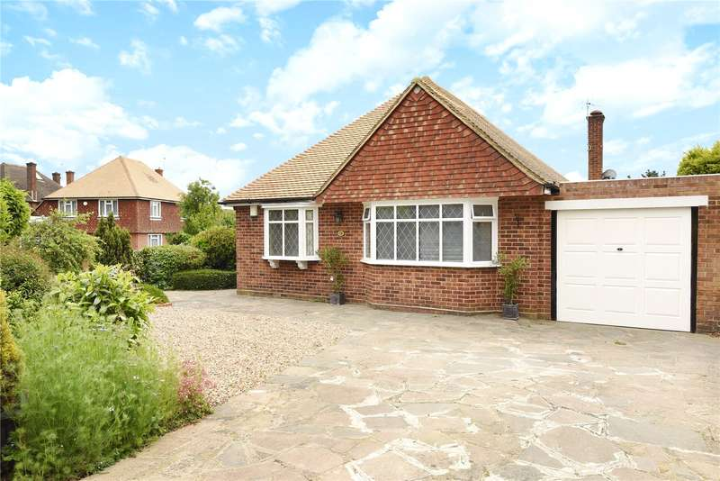 3 Bedrooms Bungalow for sale in Breakspear Road South, Ickenham, Middlesex, UB10