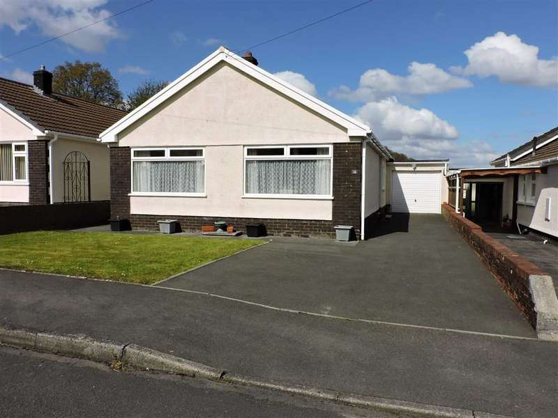3 Bedrooms Detached Bungalow for sale in Brynteg, Pentremeurig, Carmarthen