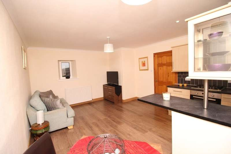 3 Bedrooms Flat for sale in Southesk Place, Ferryden, Montrose, DD10