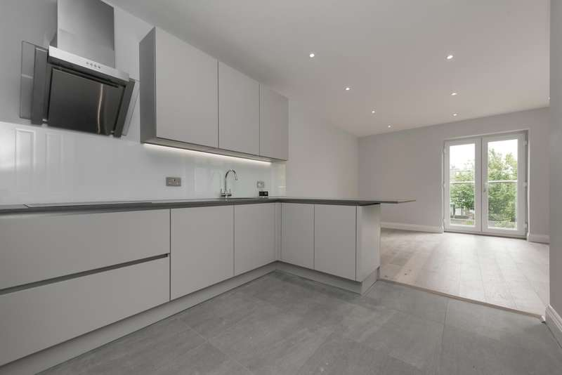 3 Bedrooms Flat for sale in Wrottesley Road, Willesden Junction, NW10