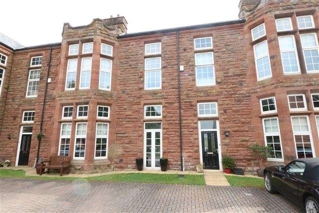 3 Bedrooms Terraced House for sale in Twickenham Court, Carlisle, Cumbria, CA1 3TW