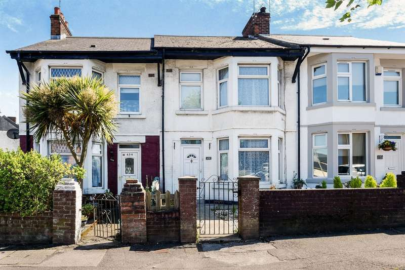 3 Bedrooms Terraced House for sale in Gladstone Road, Barry