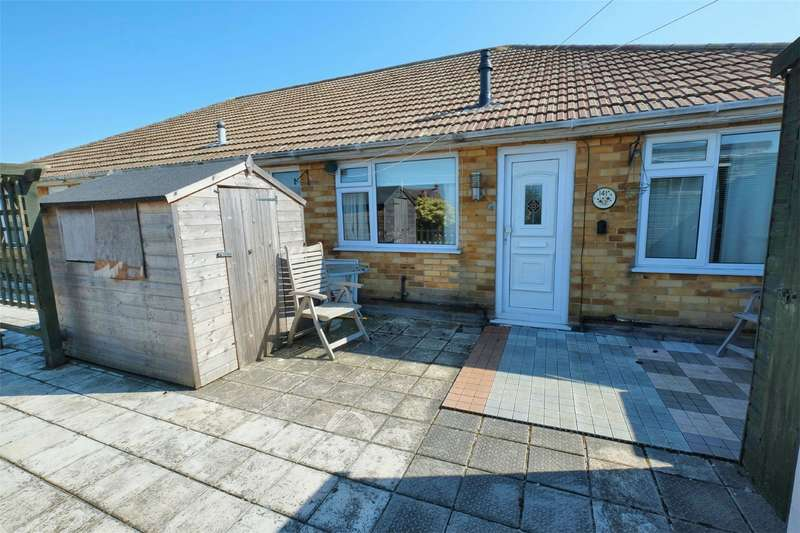 2 Bedrooms Flat for sale in Tankerton Road, WHITSTABLE, Kent