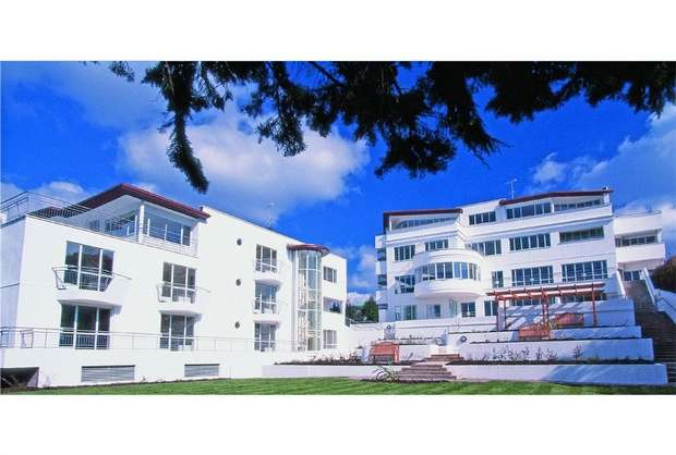 2 Bedrooms Flat for sale in Conning Towers, 75 Haven Road, POOLE, Dorset
