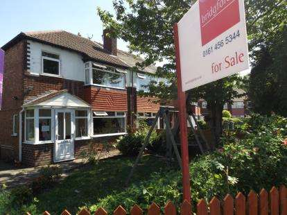 3 Bedrooms Semi Detached House for sale in Sylvester Avenue, Stockport, Greater Manchester