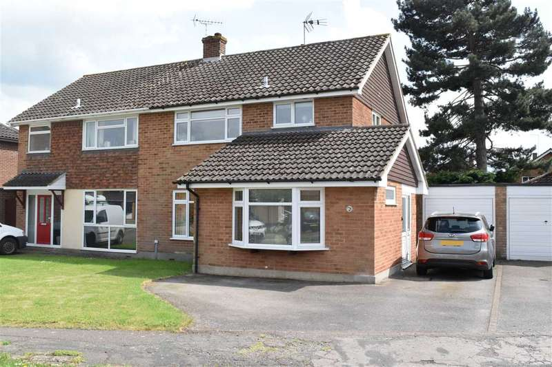 3 Bedrooms Semi Detached House for sale in Long Brandocks, Writtle, Chelmsford