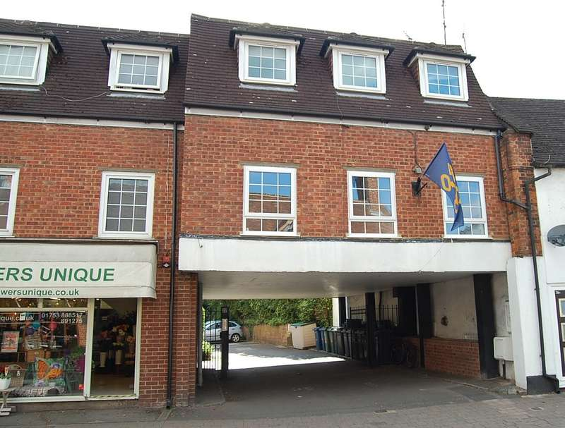 2 Bedrooms Flat for sale in Indres House, High Street, Chalfont St. Peter, SL9