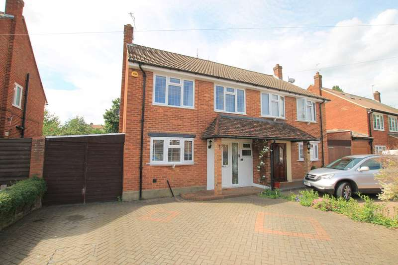 3 Bedrooms Semi Detached House for sale in Biddenham Turn, Garston, Watford