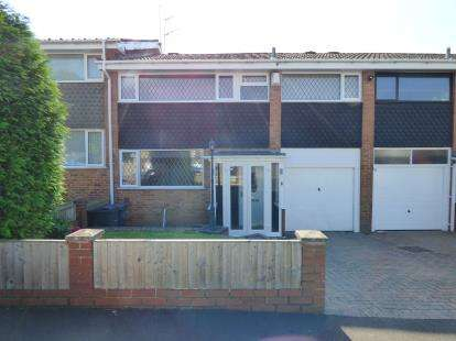 3 Bedrooms Semi Detached House for sale in Harton Way, Kings Heath, Birmingham, West Midlands