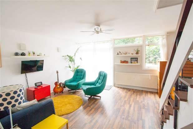 3 Bedrooms Terraced House for sale in Delawyk Crescent, Off Half Moon Lane